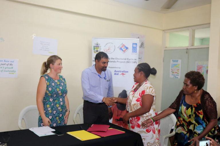 Handover equipement elections Solomon Islands
